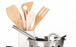 Какую посуду ни в коем случае нельзя мыть в посудомоечной машине.